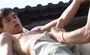 TWINKS BAREBACK IN GARDEN